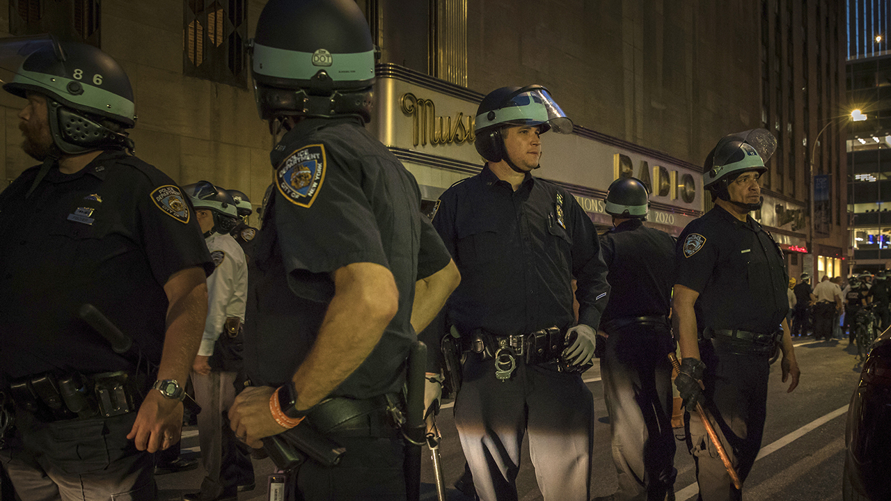 NYC curfew fails to stop looting