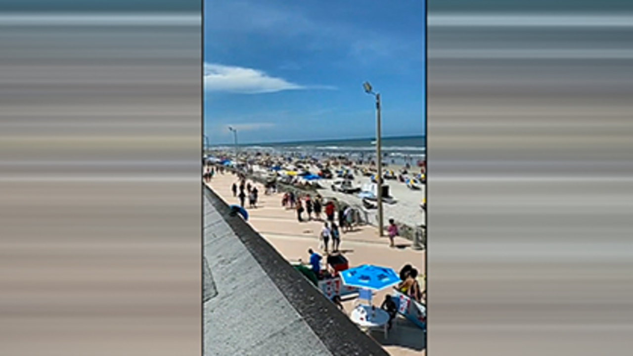 Visitors flock to Daytona Beach, FL