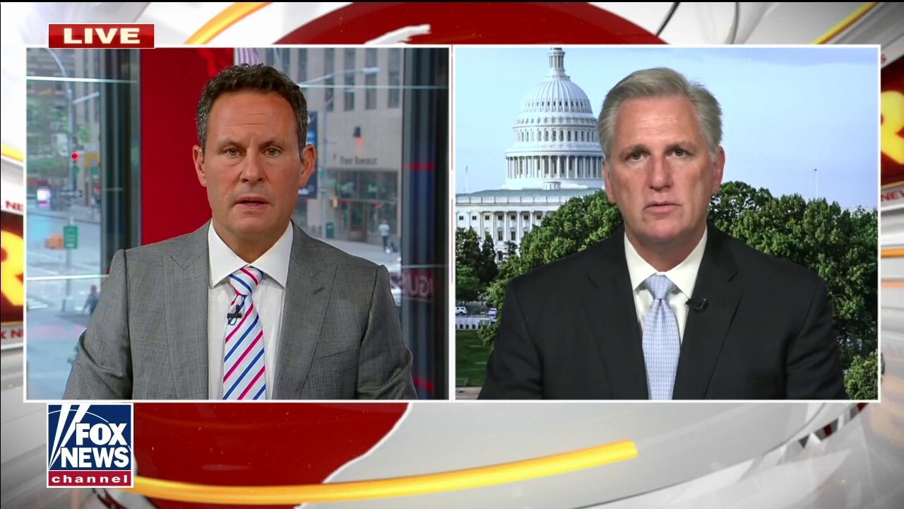 Kevin McCarthy demands Pelosi call House back into session