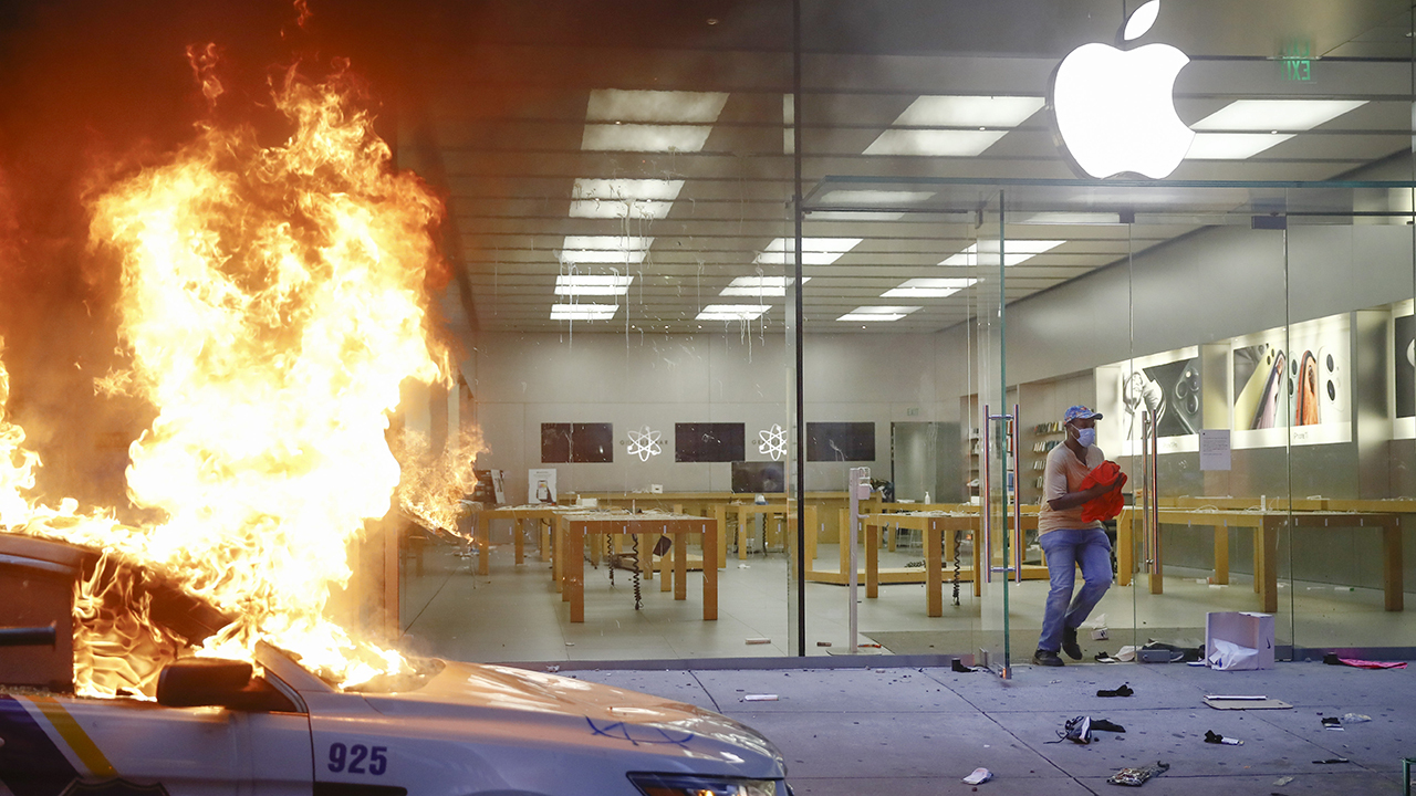 Apple tracking iPhones stolen by looters during riots