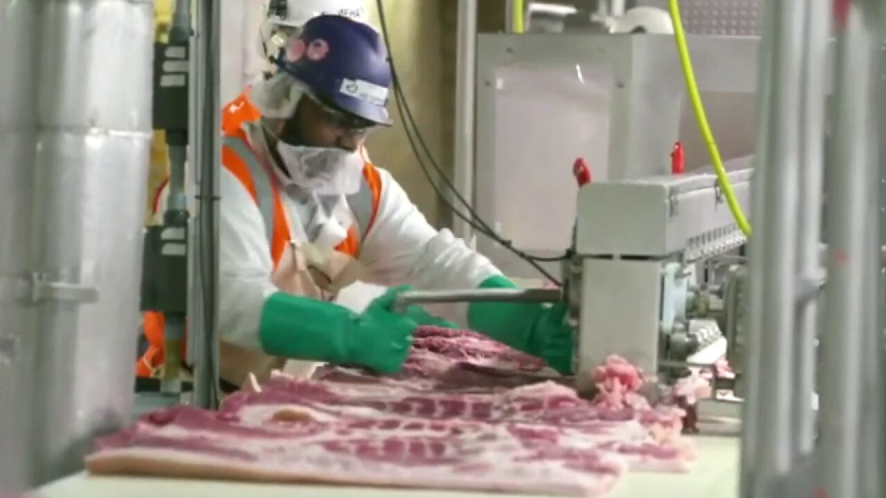 Could closure of meat-packing plants due to COVID-19 outbreaks plunge food supply chains into crisis?