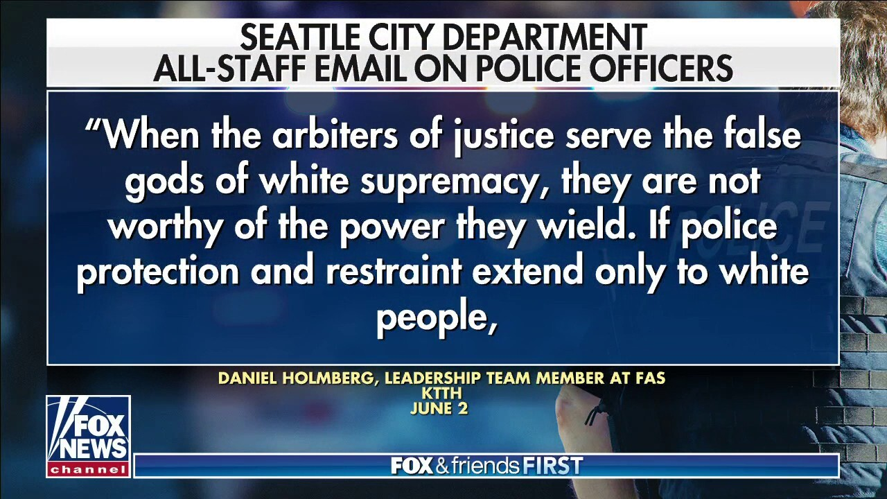 Seattle city staffer likens cops to racists: report