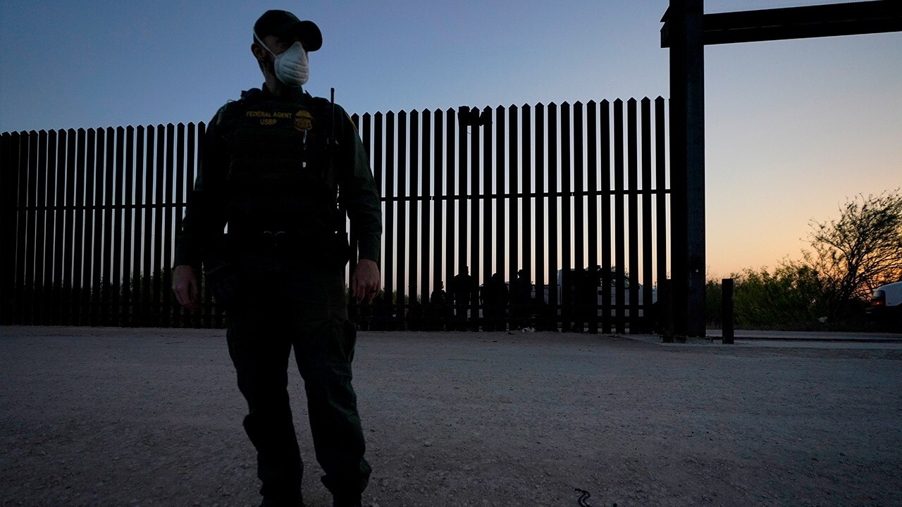 Border crisis is 'as bad as they're saying': reporter