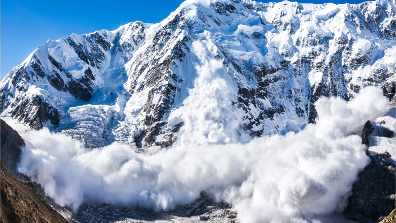 Avalanche safety: What are the warning signs