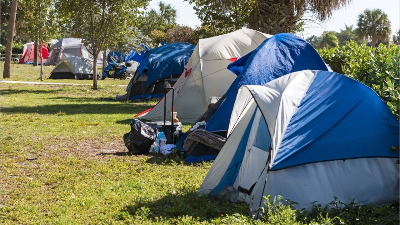 Which states have the largest homeless populations?