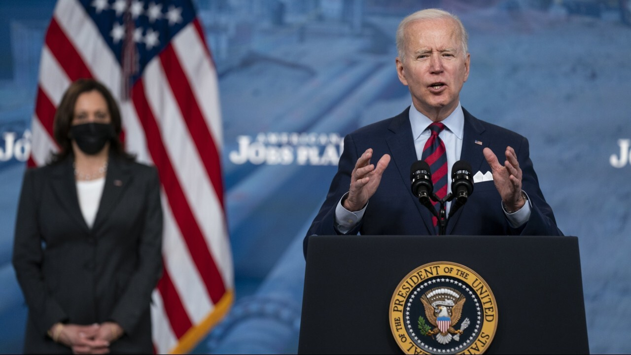 Biden, Harris telling world 'anyone' can come into US: Hallberg