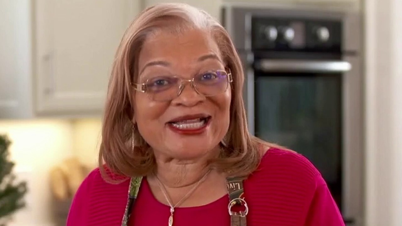 Inside Alveda King's home for the holidays!