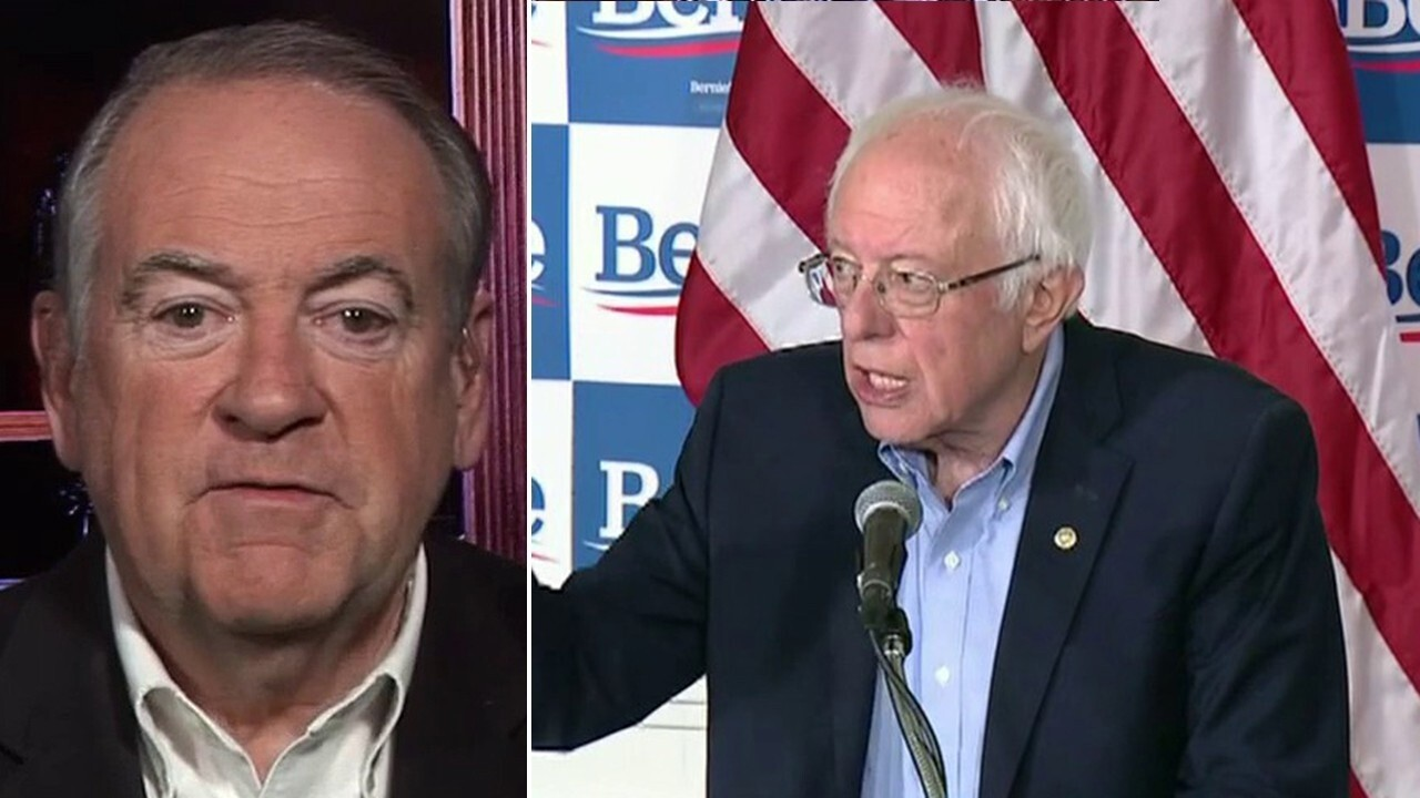 Huckabee blasts 'insane' Bernie for embracing Russia, Cuba over Israel