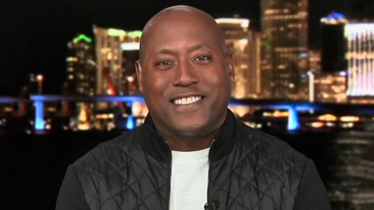 Westlake Legal Group image Former NFL player Jeremy Lincoln weighs in on Super Bowl LIV storylines with Ed Henry Victor Garcia fox-news/news-events/super-bowl fox-news/media/fox-news-flash fox-news/media fox news fnc/media fnc f37c0b94-6ccb-5308-8fde-229296b3af2a article