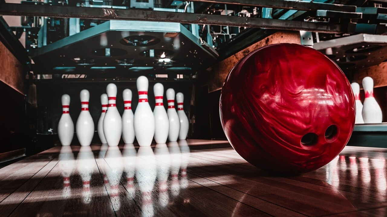 'Fox & Friends Weekend' celebrates National Bowling Day with Bowlers to Veterans