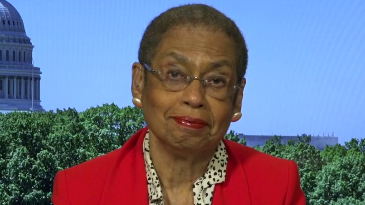 Rep. Norton says Washington Redskins name change was 'necessary'