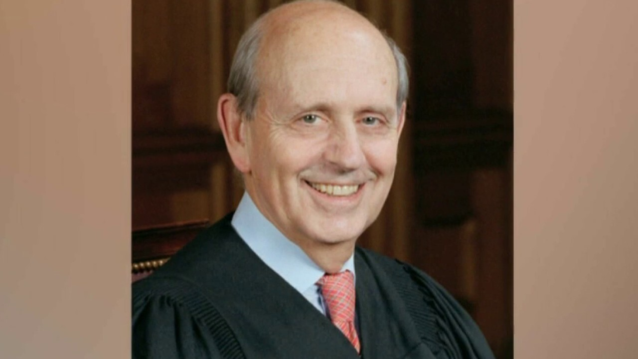 Op-ed calls on Justice Breyer to retire so Biden can choose Supreme Court replacement