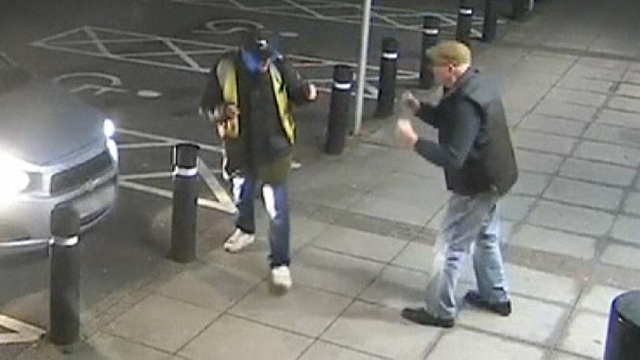 UK man, 77, 'bravely' fights off ATM mugger in boxing match caught on video
