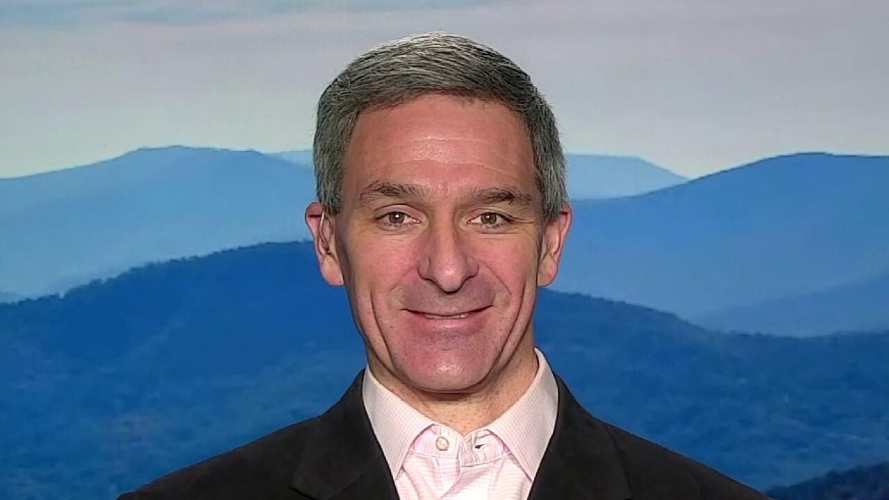 Ken Cuccinelli on Greyhound to stop allowing immigration checks on buses without warrant