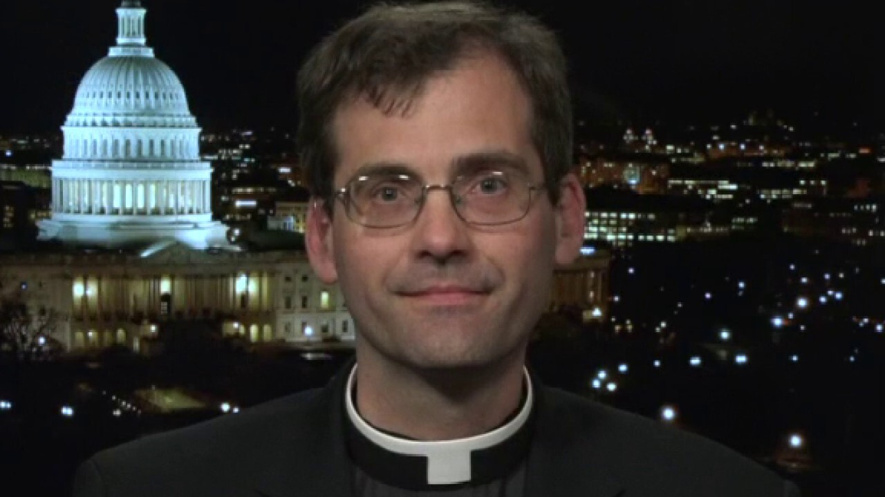 Maryland priest offers drive-thru confession during coronavirus outbreak