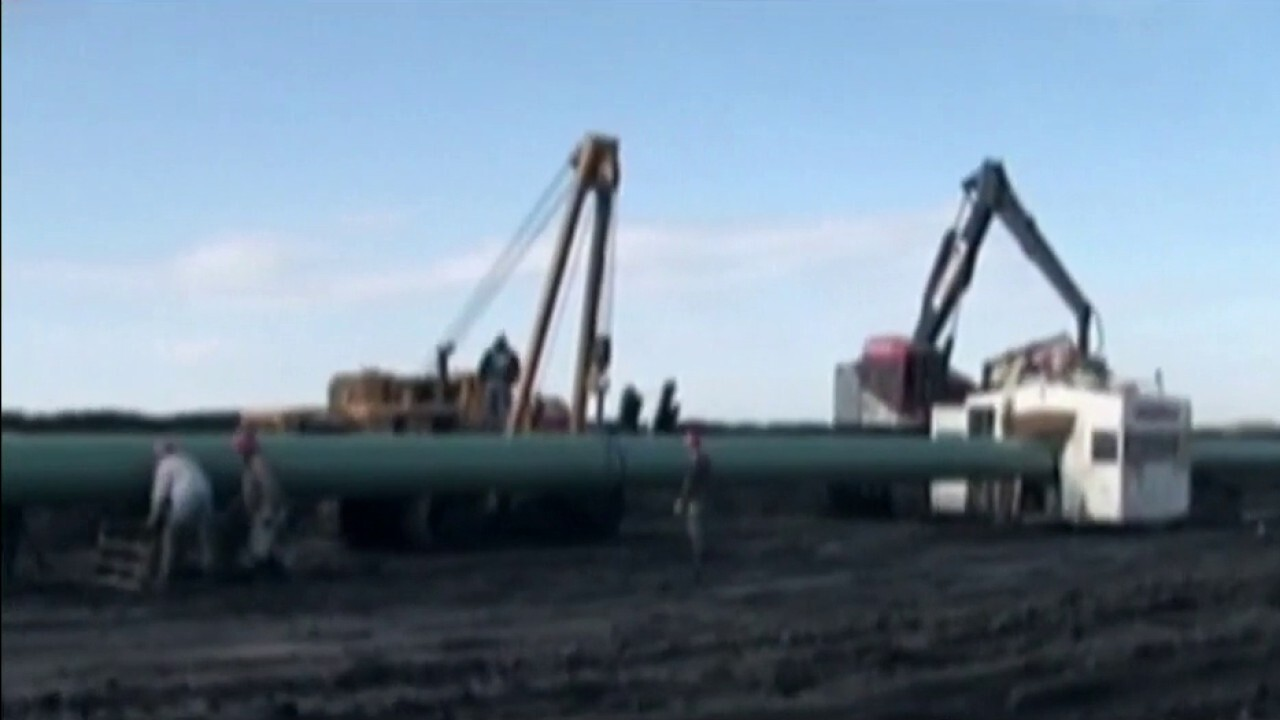 Federal judge orders temporary shutdown for Dakota Access Pipeline