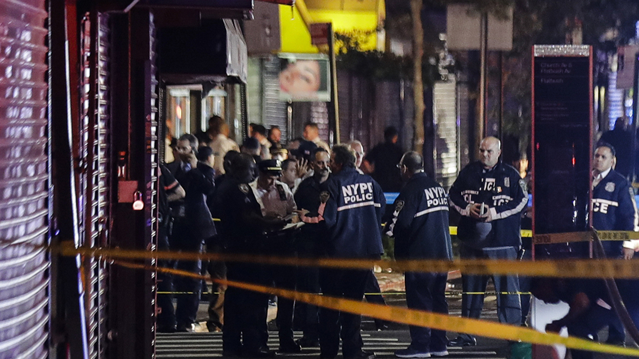 2 officers shot, 1 officer stabbed in NYC