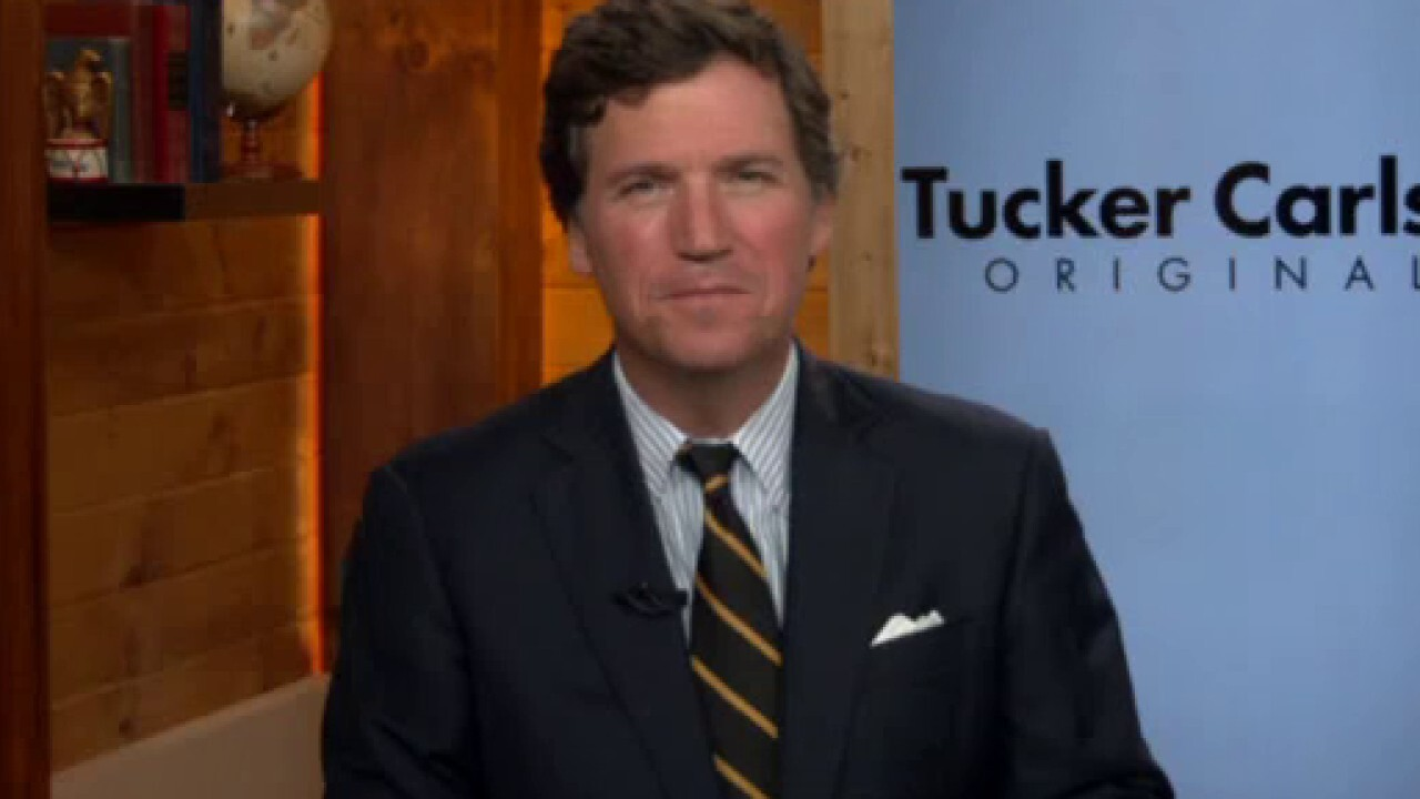 Tucker Carlson calls out Fauci's 'bizarre' claim that his critics are against science