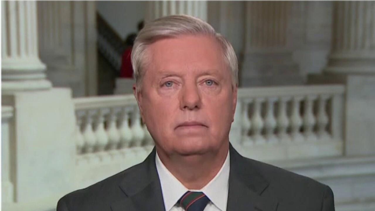 Sen. Lindsey Graham slams Biden admin's handling of COVID cases at border