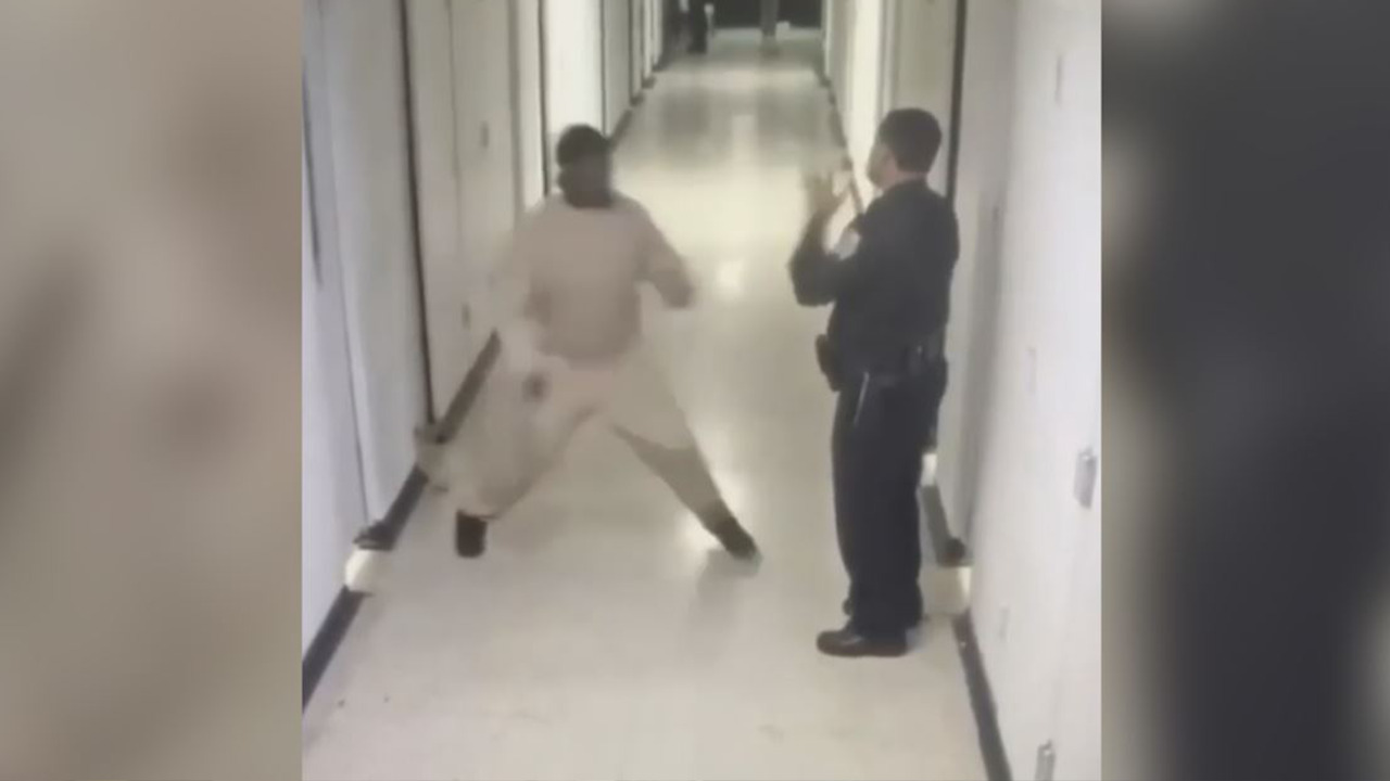 Rikers Island inmates seen violently attacking correction officers: WATCH