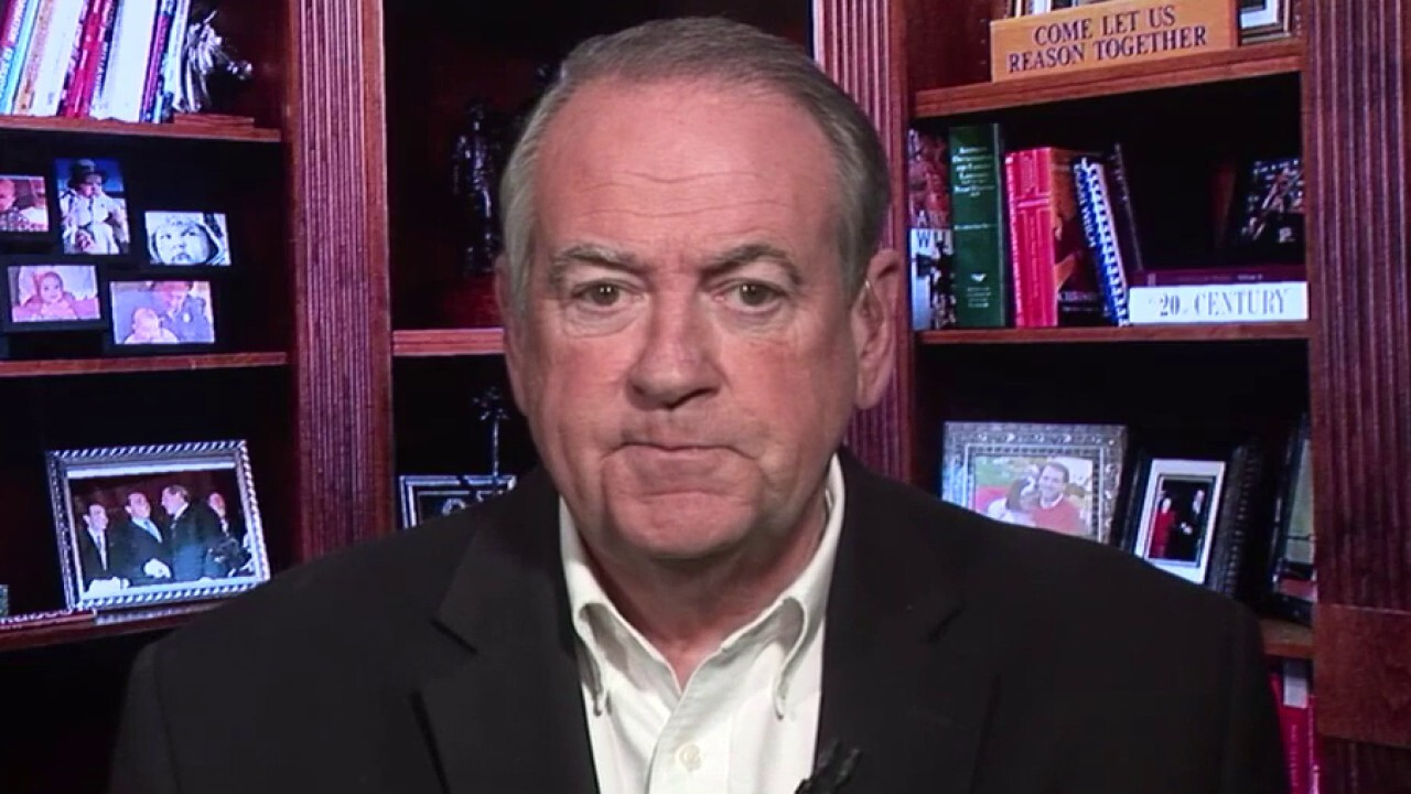Gov. Huckabee: People aren't looking for political jabs, they're looking for sincere, transparent answers
