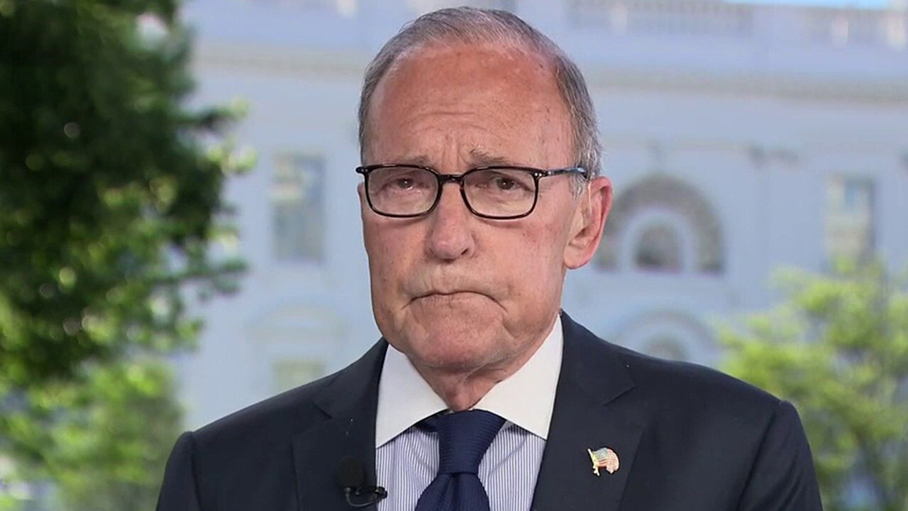 White House National Economic Council Director Larry Kudlow tells 'Fox and Friends' he predicts economic growth will surge in the latter half of 2020.