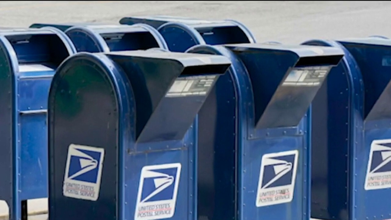 USPS worker allegedly had undelivered mail in his trunk ...