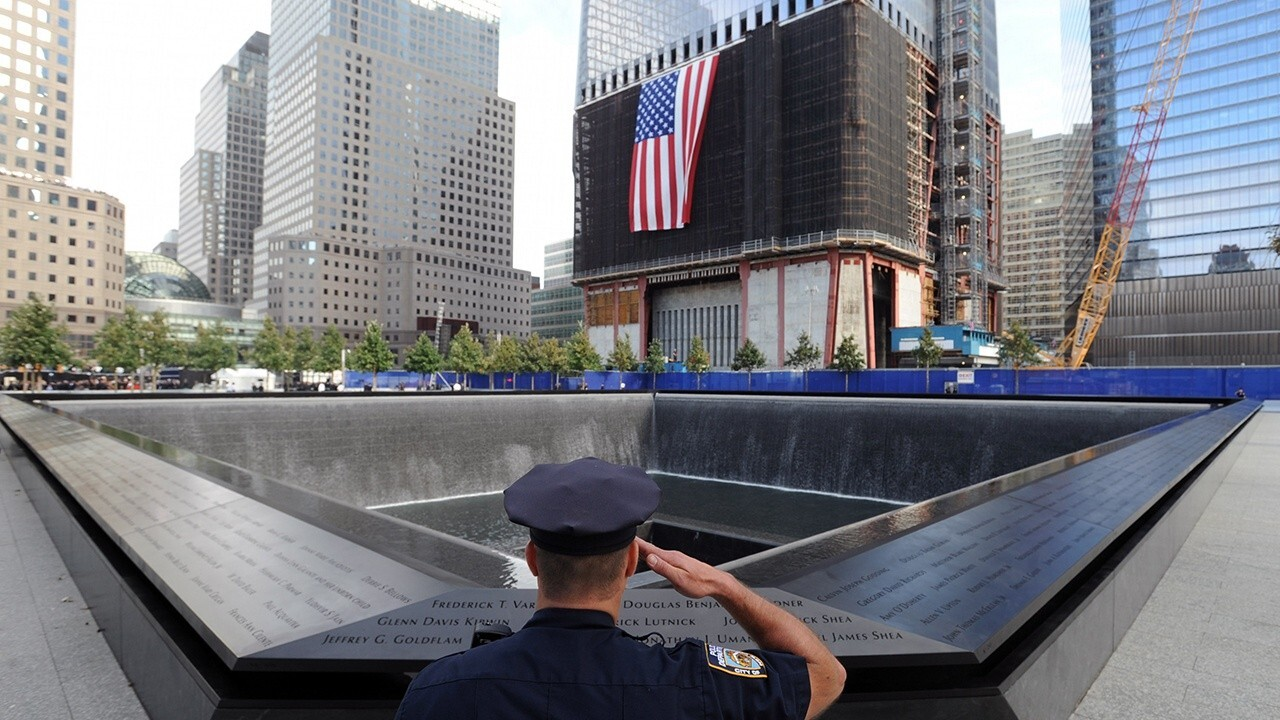 Police honored as heroes after 9/11 attacks