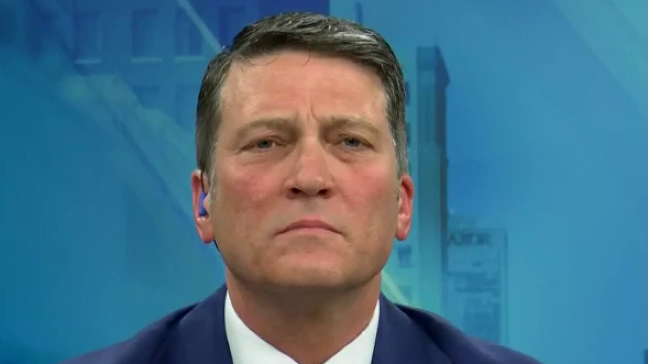 Dr. Ronny Jackson says Trump's quick action on coronavirus likely steered US away from Iran, Italy scenarios