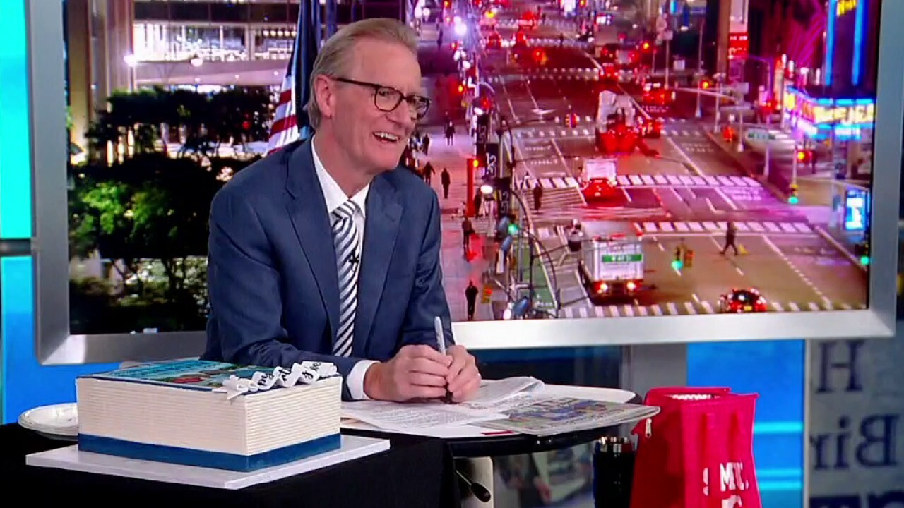 Steve Doocy celebrates his birthday on 'Fox & Friends'
