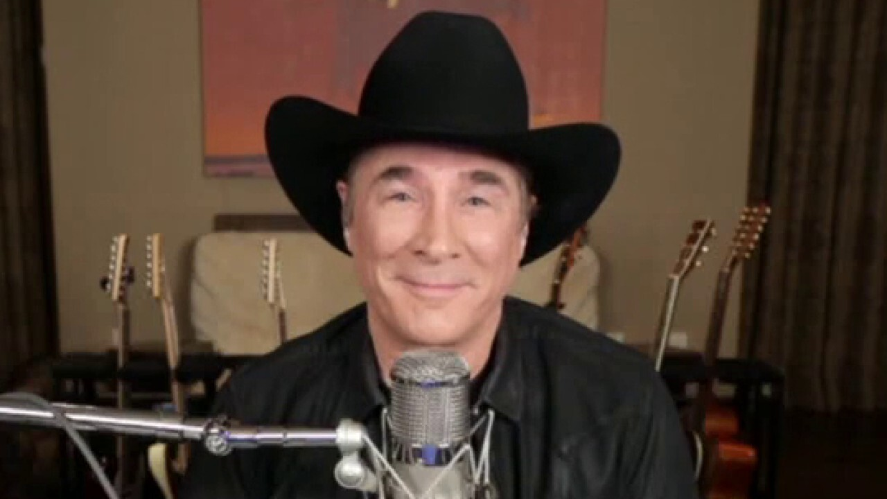Clint Black on teaming up with USO