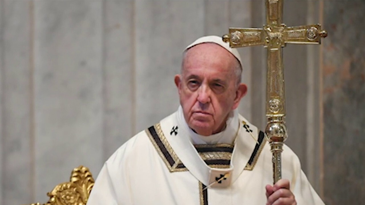 Pope Francis offers message of hope during Easter Sunday Mass amid COVID-19