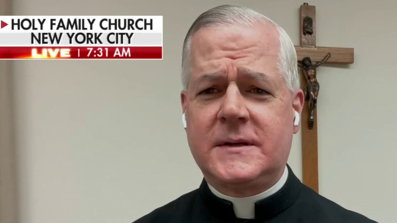 Father Murray shares 'Christmas message' on 'Fox & Friends'