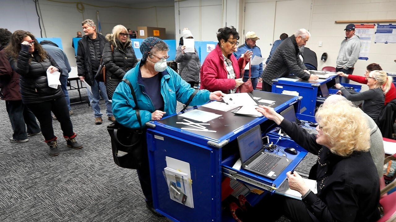 Illinois proceeds with primary election despite COVID-19 concerns