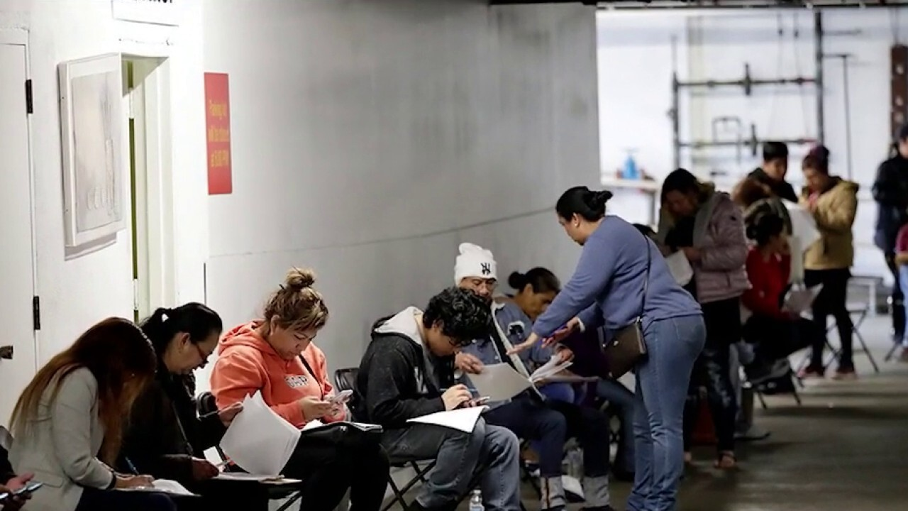 Over 2.9M file first-time unemployment claims in a week amid coronavirus pandemic