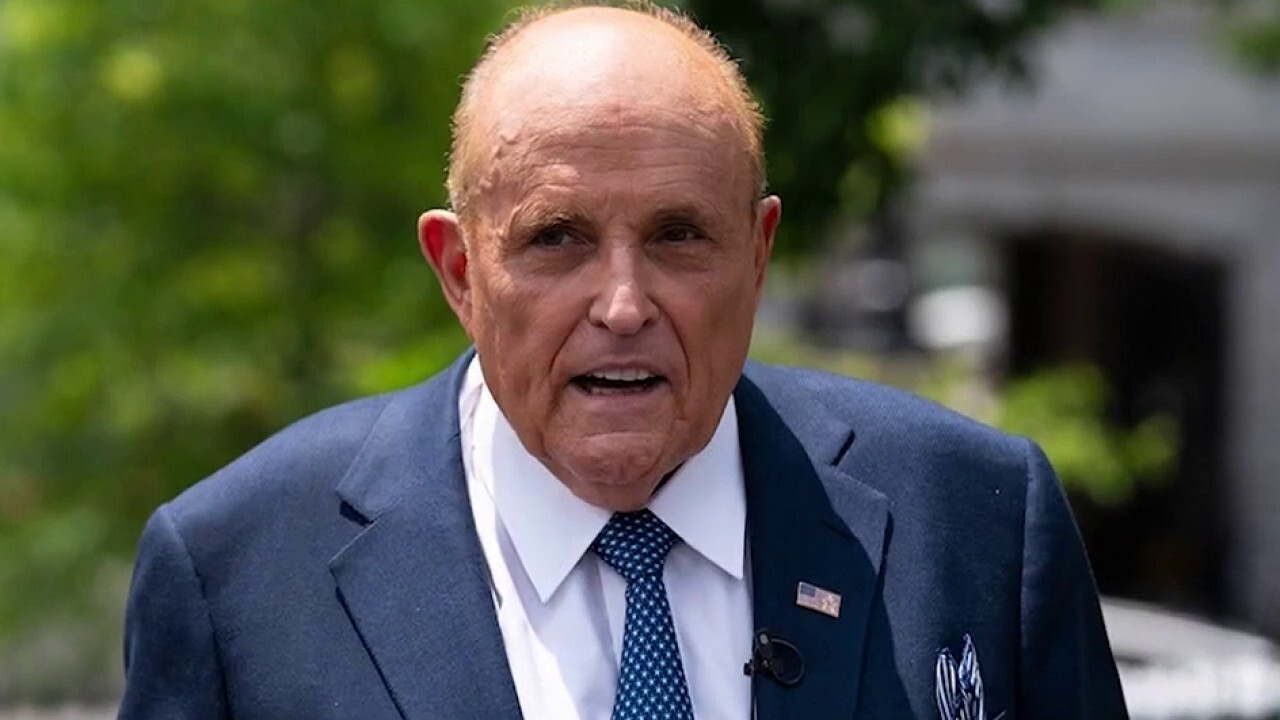 'A major blunder': Media outlets retract reports on Giuliani after ignoring updates