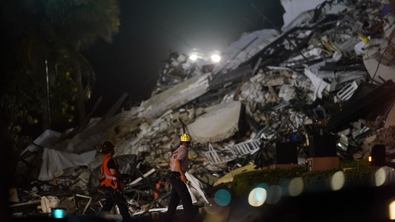 Florida condo-collapse witness describes helping to save child