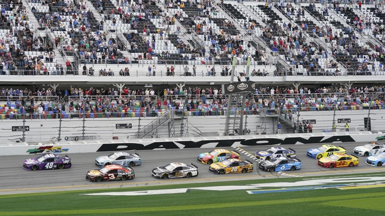 NASCAR season kicks off in Daytona with limited attendance