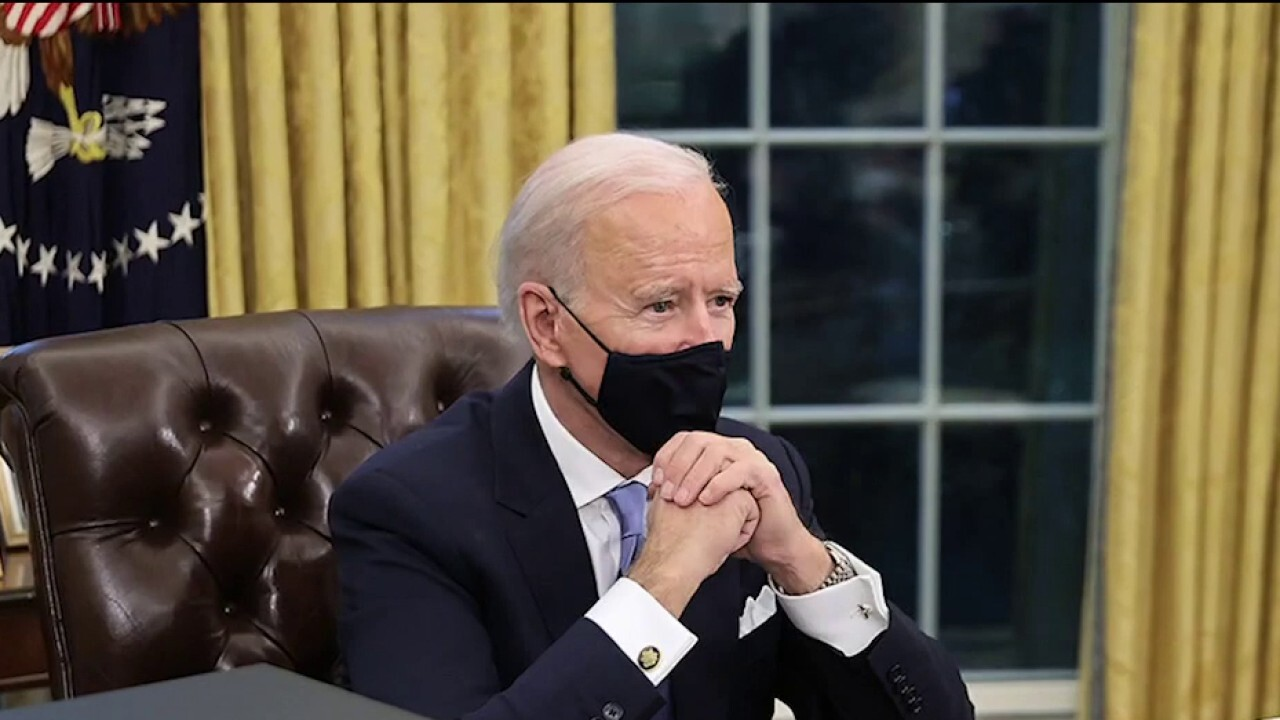 Biden signs executive order to disband 1776 Commission