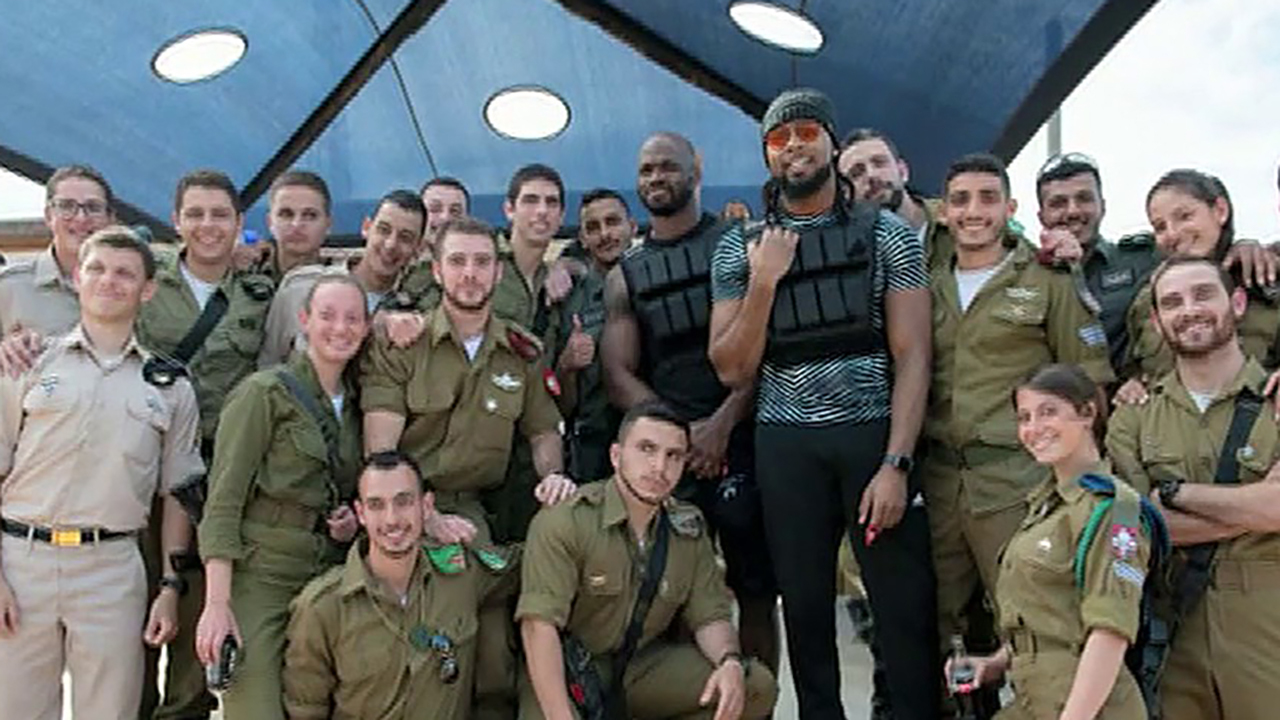 NFL players train with Israeli Defense Forces in Middle East