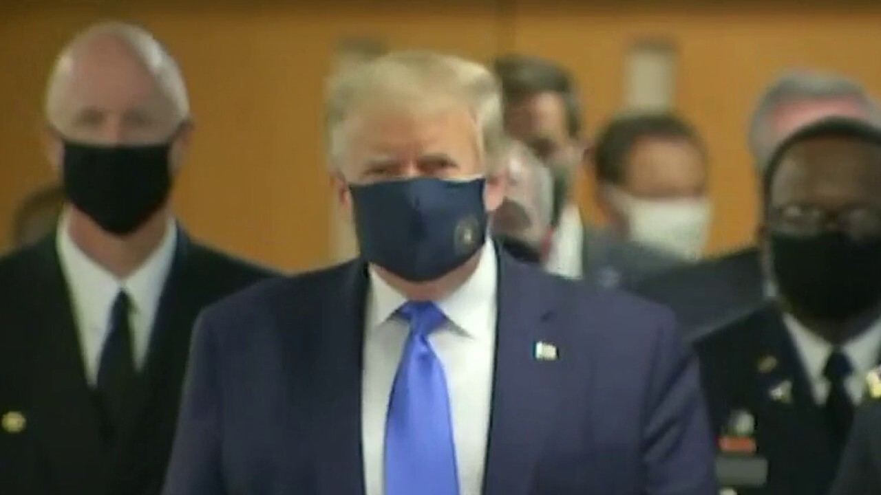 Trump wears a mask during Walter Reed National Military Medical Center
