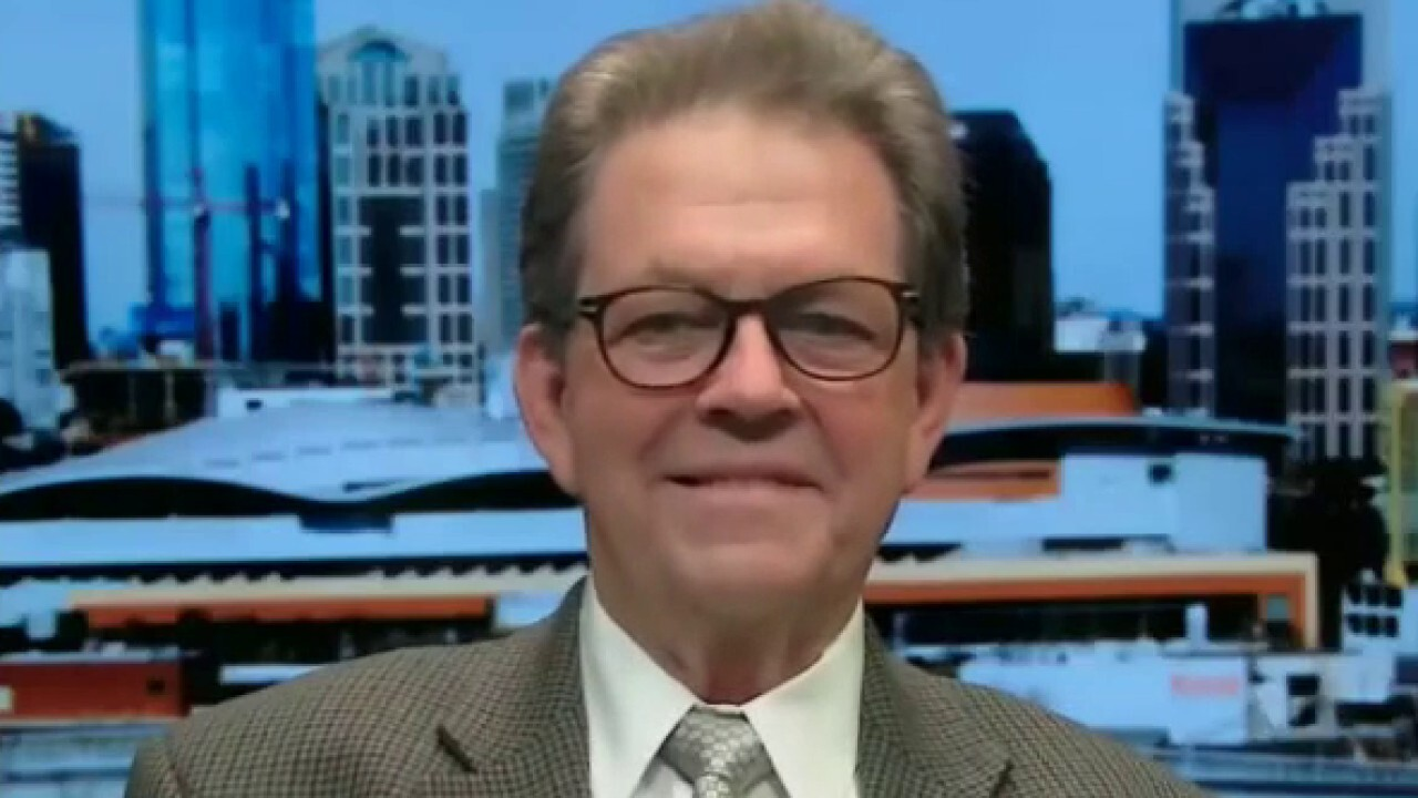 Former Reagan economic adviser Art Laffer weighs in on the potential side-effects of Target raising the minimum wage to $15 an hour on 'America's Newsroom.'