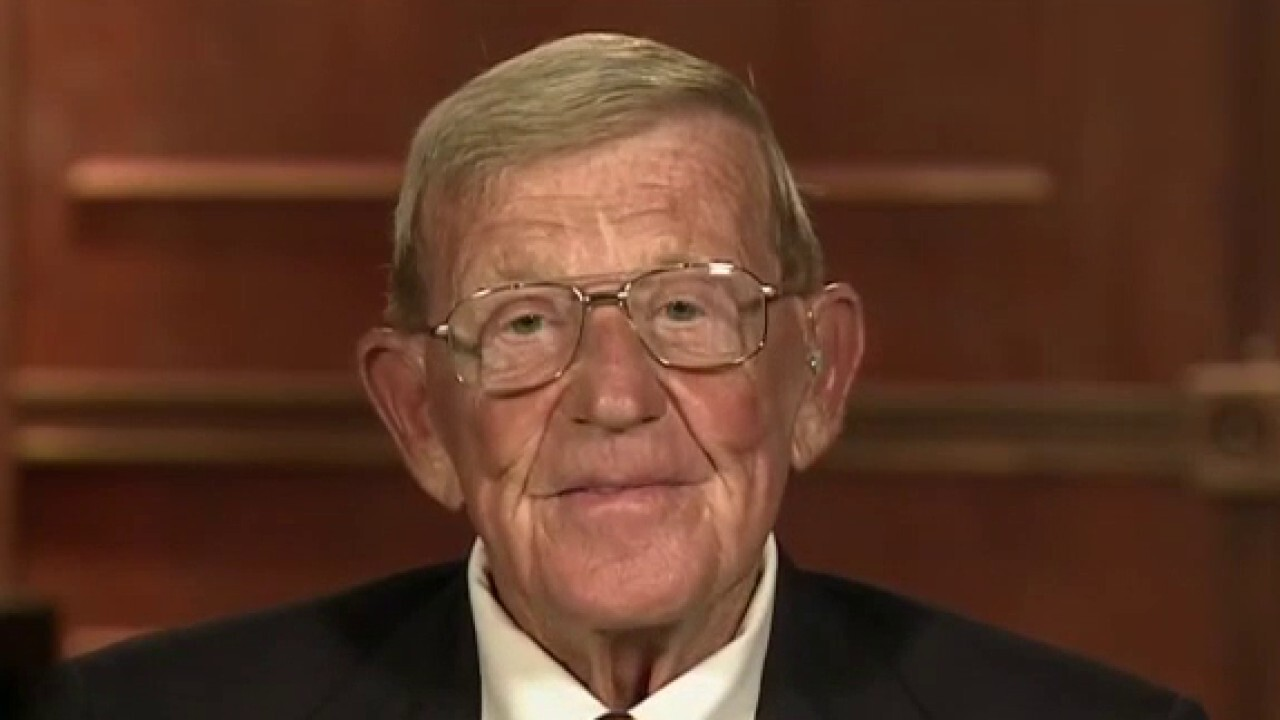 Lou Holtz on what to expect from college football during COVID pandemic