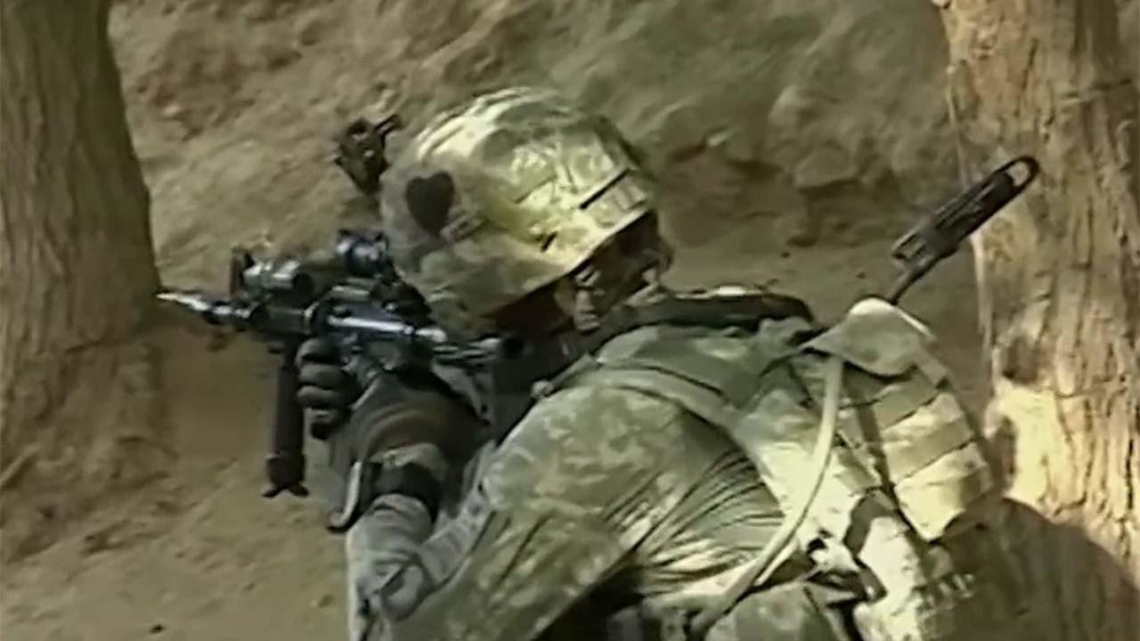 Στρατιωτικά λέει διεξήγαγε αεροπορική επιδρομή κατά των δυνάμεων των Ταλιμπάν, πρώτα από συμφωνία ειρήνης