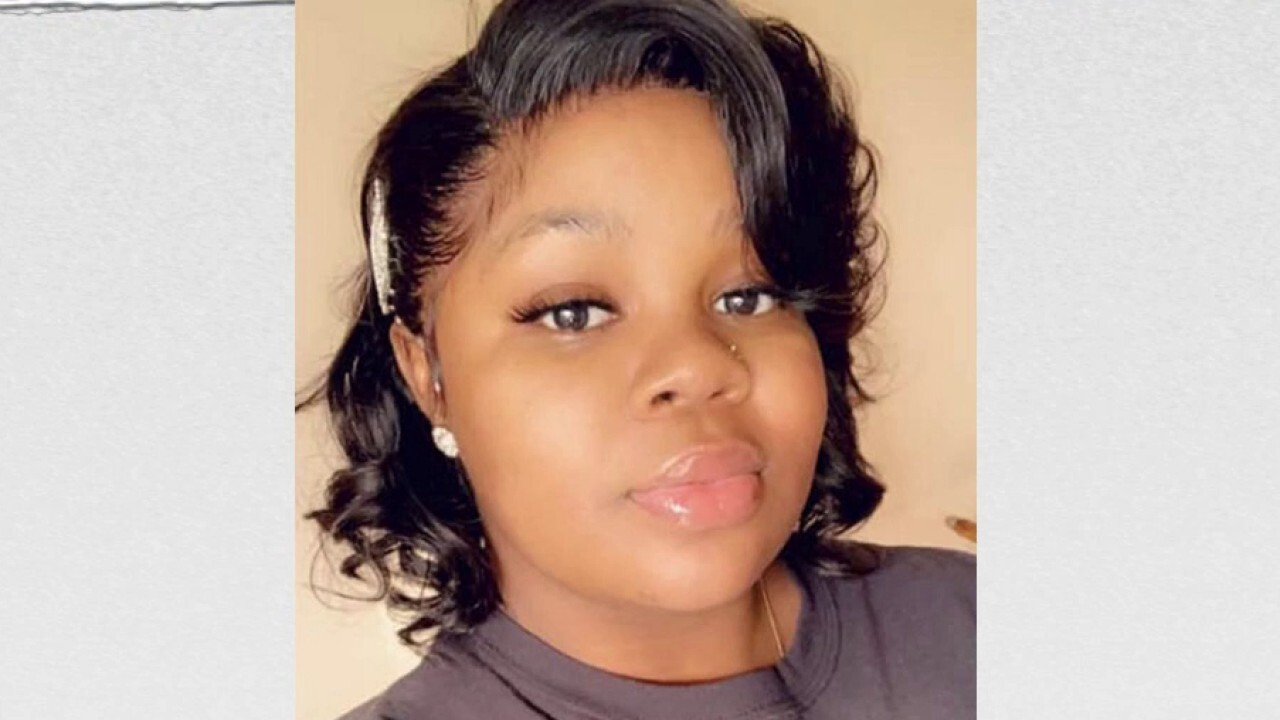 Louisville Police Radio Chatter On Breonna Taylor Case Must Be Turned Over Judge Rules Fox News