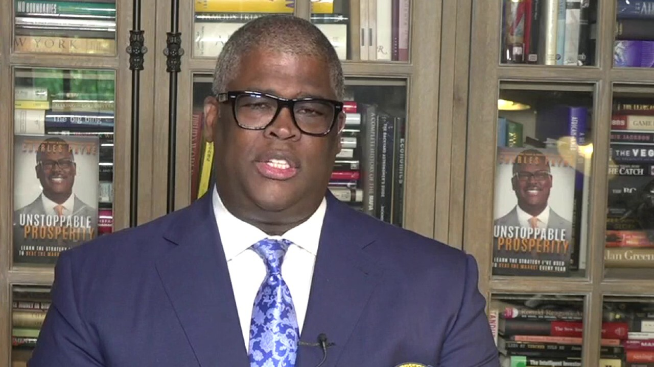 New York City Mayor Bill de Blasio is running New Yorkers out of the city in droves, Fox Business Network host Charles Payne says.