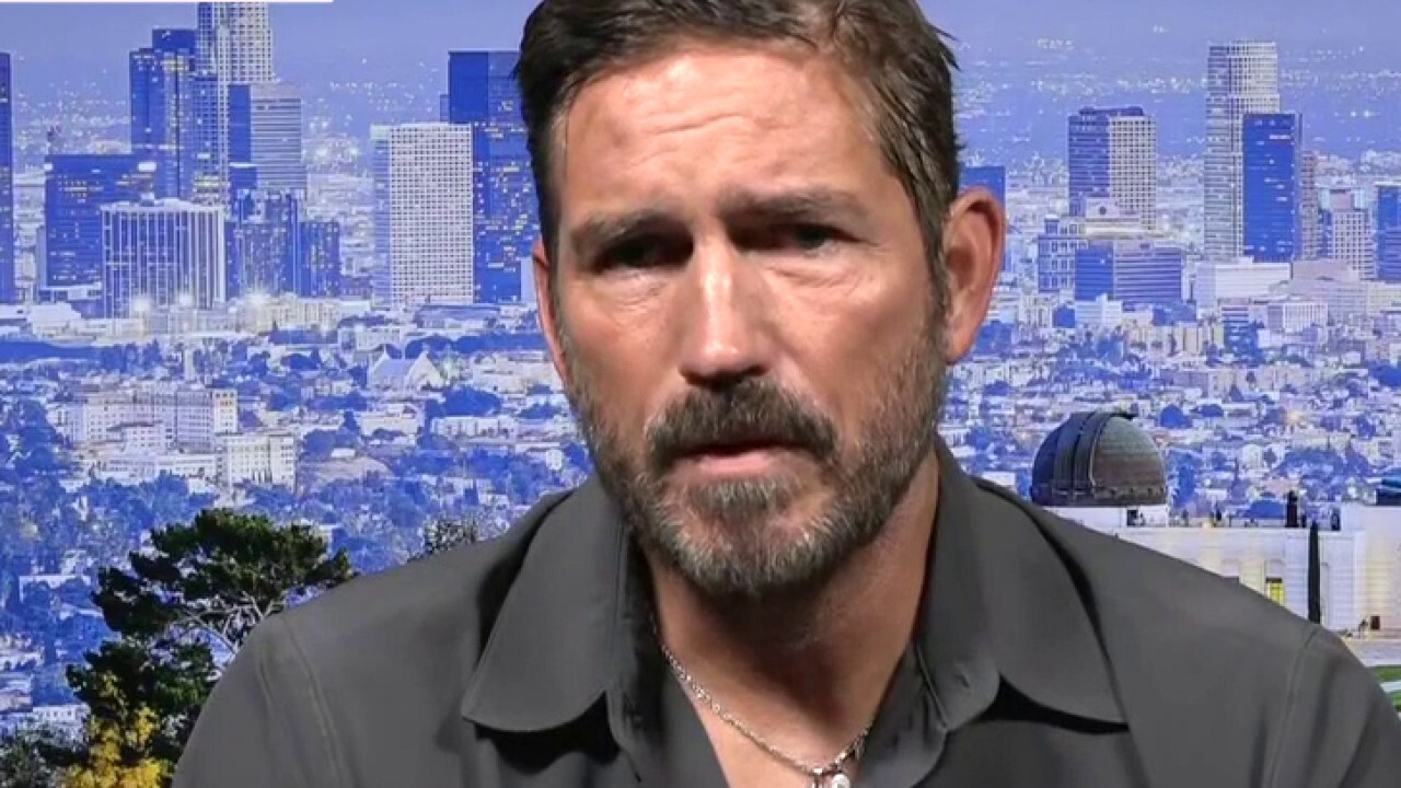 'The Passion of the Christ' actor addresses persecution in new role