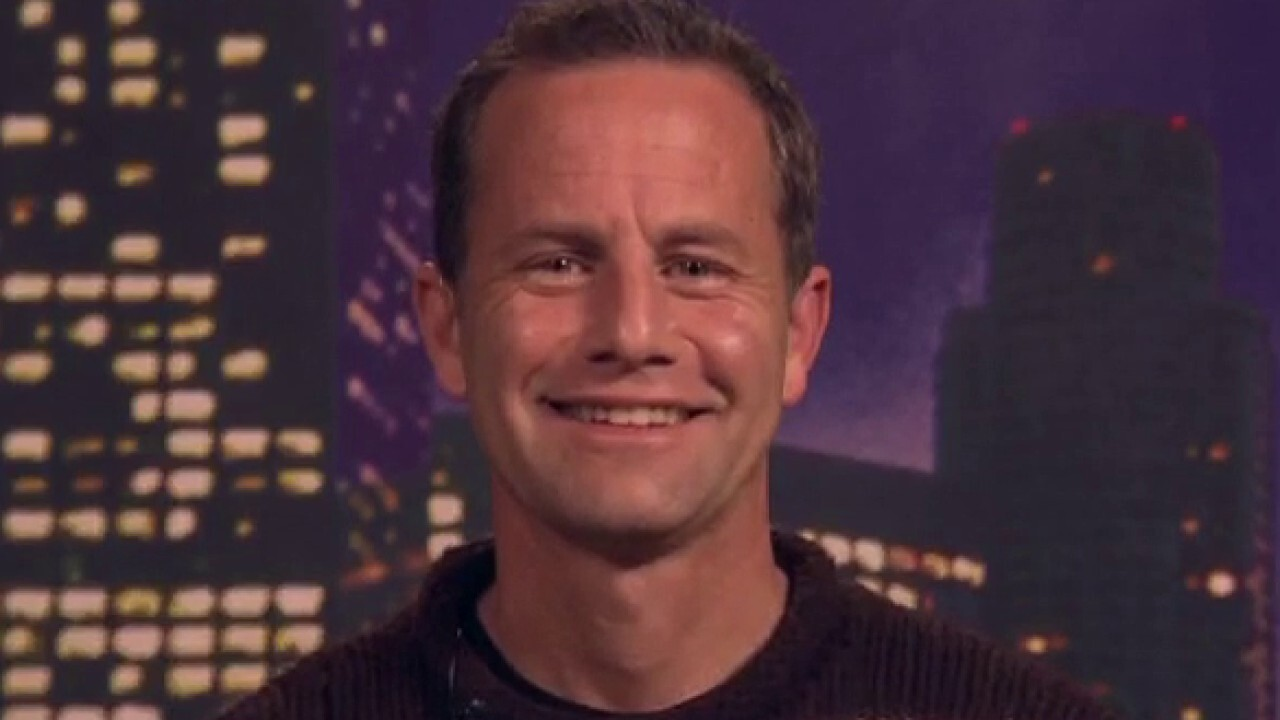 Kirk Cameron holds second protest to sing Christmas carols