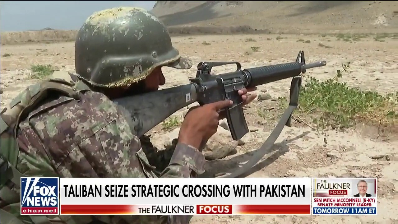 Afghan volunteer soldiers are 'raw' and up against seasoned Taliban forces: Greg Palkot