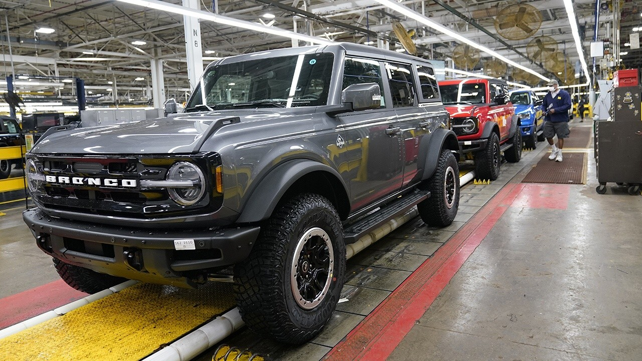 Ford confirmed that 125,000 of the 190,000 reservations it has received for the off-road SUV have already been converted to orders. FOX Business' Jeff Flock with more.